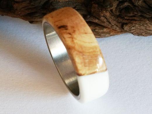 Holzring Rebholz mit weißem Kunstharz und Edelstahl Kern Ringgröße 63
