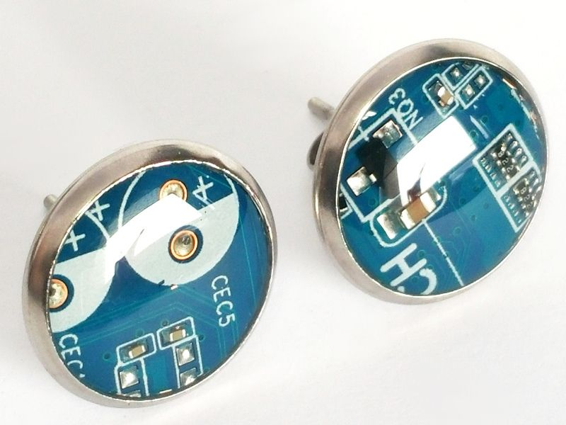 1 paar Upcycling Ohrstecker Edelstahl Ø 14mm Computer Platine in blau