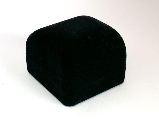 Ringetui aus Kunststoff mit Samtüberzug schwarz, Außenmaß: 45x50x38mm