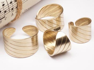 Ring aus Schlagzeug Becken 15mm breit Messing Größe 46 bis 72